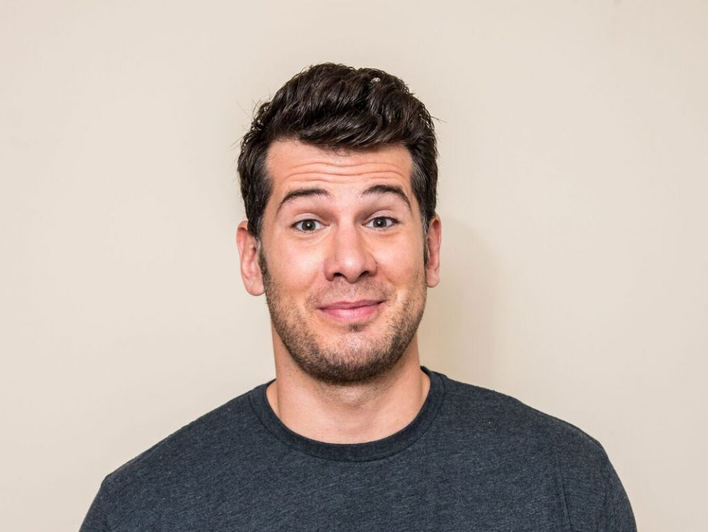 The 33-year old son of father (?) and mother(?) Steven Crowder in 2021 photo. Steven Crowder earned a  million dollar salary - leaving the net worth at 3 million in 2021